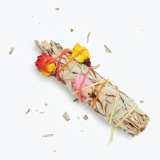 """It's Saturday! Surely you have some smudging to do! 😂   Here's a round up of our floral fancies this week (from left to right) 👉   1. Out with the old, in with the new! 🙏  Make a fresh start with this handmade Floral Smudge Stick by @catherinerising. The best part? Sage + roses (timely) 🌹 for extra potent purification vibes.  2. As homes across the nation open up, it's the perfect time to shower loved ones by bearing gifts. We're absolutely in heartsville 😍 over these whimsical, chic blue & white chinoiserie-print tea towels by @alldaysoiree.  3. Everyone loves a good coffee table book, and this elegant tome, Flower: Exploring The World In Bloom, by @phaidon is sure to earn pride of place. With a focus on the relationship between flowers & art around the world, the rich imagery is made to admire & inspire. 🤩  4. The struggle has been real, but we have a lot to be grateful for. Share the #feelings with this adorable Daily Affirmations Candle gift set by @morganharpernichols. Each candle represents a day of the week & provides an inspiring affirmation paired with a delightful scent—think """"Night Gardenia"""" & """"Jade Bamboo."""" 🔥   5. Northeasterners looking for a change of scenery... in the woods!!... may want to check out the Tiny Cabin at @Tanglebloom near Brattleboro, Vermont. It sounds absolutely dreamy, located  on the grounds of @Tanglebloom Flower Farm, a five-acre organic farm & sustainable floral design studio creating magnificent bouqs, subscriptions & wedding flowers from heirloom blooms grown on site! They also offer a self-serve farm stand on Fridays & Saturdays. 💐  Like what you see? Bud into our mailing list to get a jump on the #flowerpower & a chance to win a Bouquet of Month. 💐   FOLLOW @theflowry for best in bloomcraft for people, spaces and occasions.   #saturday #flowerpower #floralsgalore #5floralfancies #floralfix #floralfinds #giftideas #homedecor #hostessgift #housewarming #welcomehome #dinnerpart #floweringeveryday #allthingsflowers #loveflowers #f"""